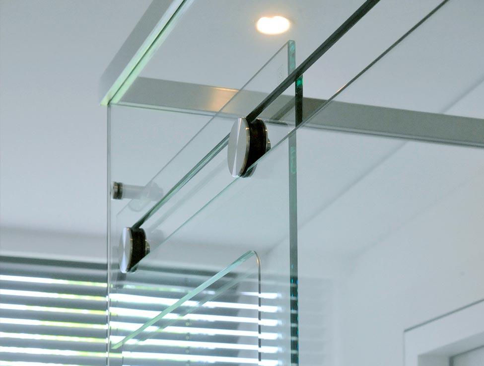 Detailbild: Duschtür aus Echtglas