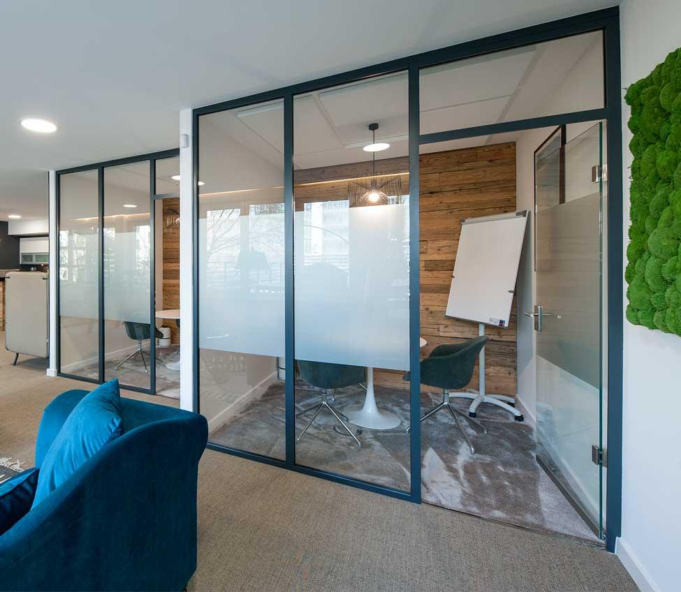 Schallschutz-Verglasung Glastrennwände