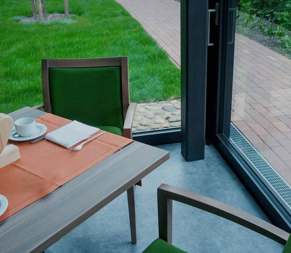 Wärmeschutzverglasung gegen Wärmeverlust für ein Restaurant