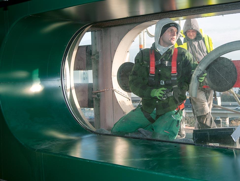 Brandschutzverglasungen in Türen, Treppenhäusern und Trennwänden
